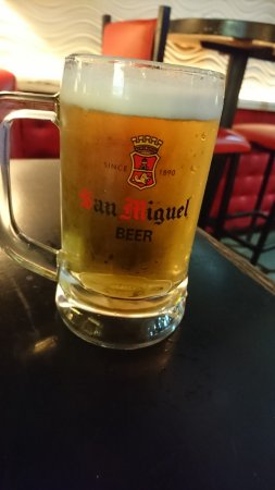 Spicy Fingers Bar and Restaurant: サンミゲルの生が飲めます