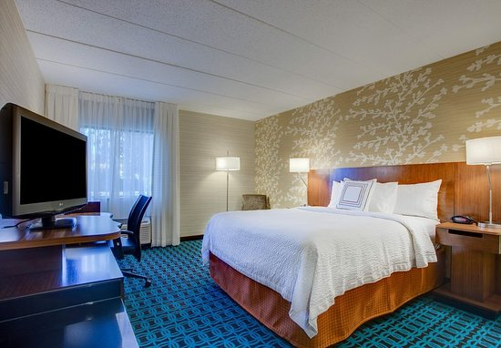 Williston, VT: King Guest Room