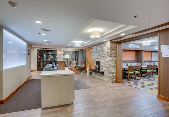 Williston, VT: Lobby Seating Areas