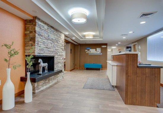 Williston, Вермонт: Lobby & Front Desk