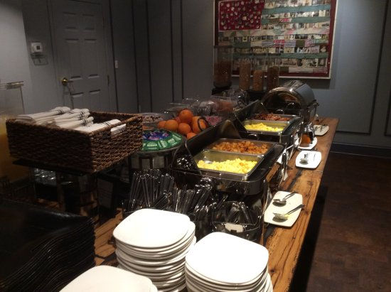 Kendall Hotel: Just a small part of the breakfast buffet