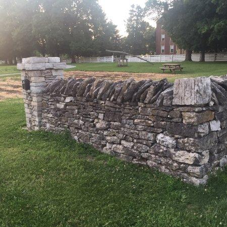 Harrodsburg, Кентукки: A WalkAbout ShakyTown