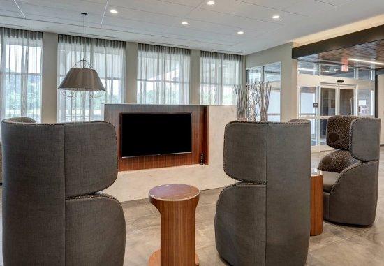 Deptford, Нью-Джерси: Lobby Seating