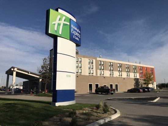 Hotels Close To Toronto Airport With Free Parking