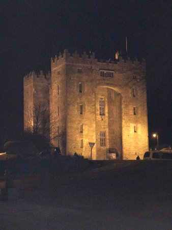 Bunratty Castle by night