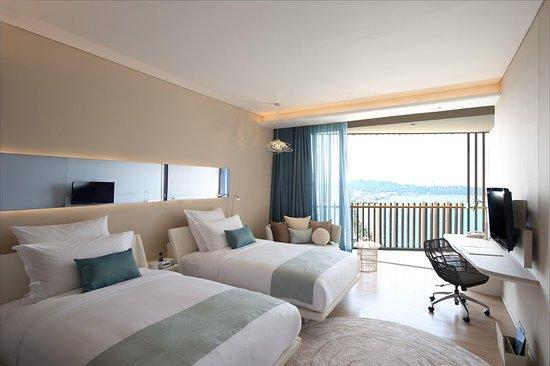 Hilton Pattaya: Twin Hilton Deluxe Seaview