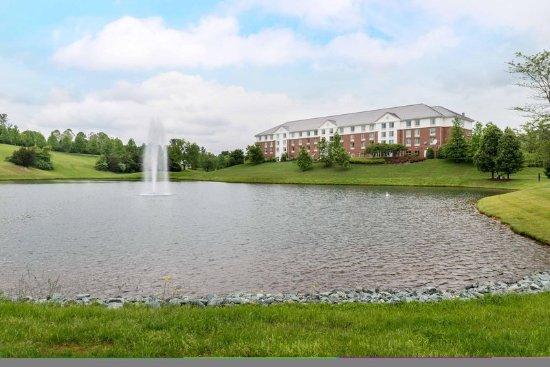 Hilton garden inn charlottesville updated 2018 hotel reviews price comparison va tripadvisor for Hilton garden inn charlottesville