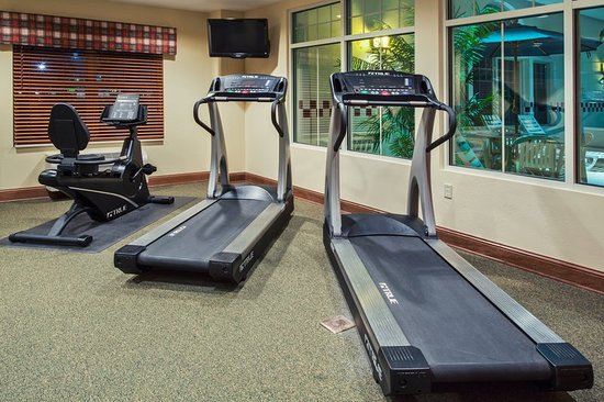 CountryInn&Suites Zion FitnessRoom