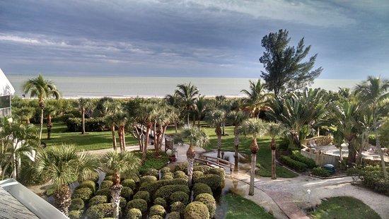 Tortuga Beach Club Resort Photo