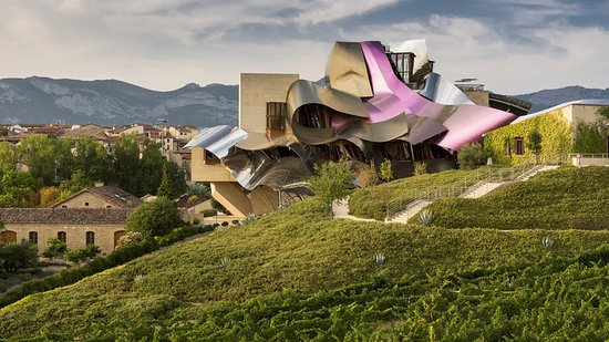Hotel Marques de Riscal a Luxury Collection Hotel: Day facade