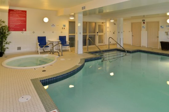 Holiday Inn Express Hotel Suites Edmonton North Updated 2018 Reviews Price Comparison