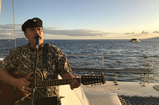 Maui Sunset Sailing Cruise With Live Music