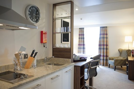 Staybridge Suites London-Stratford City: Studio Suite Fully Equipped Kitchen