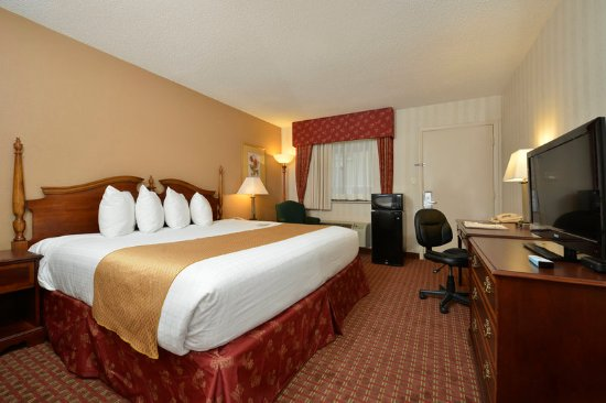 Clarksville, IN: Business King Room