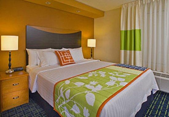 Fairfield Inn & Suites New Bedford: King Guest Room