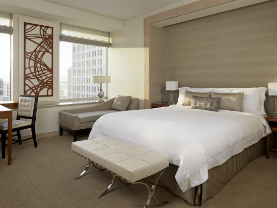 The St. Regis San Francisco: Deluxe Guest Room