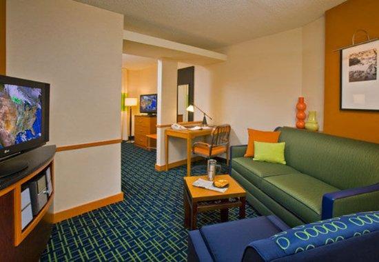 เอวอน, อินเดียน่า: King Suite Sitting Area