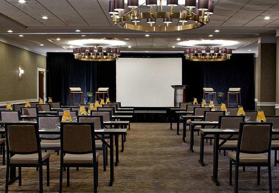 Minneapolis Marriott West: Galway Ballroom - Classroom Setup