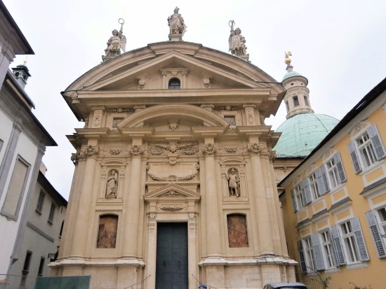 Mausoleum of Emperor Ferdinand II : マンソレウムのファサード