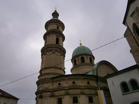 Mausoleum of Emperor Ferdinand II: マンソレウムのマンソレウムの塔