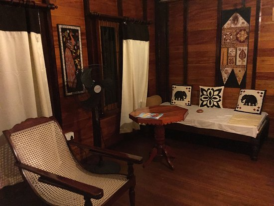 Mawanella, Sri Lanka: Interior of the chalet
