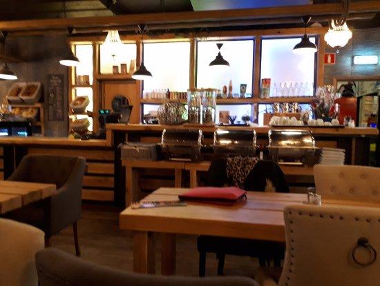 Finspang, Sweden: Interiör mot caféet