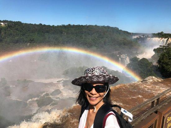 Puerto Iguazu: Rainbow Pure Natures Show