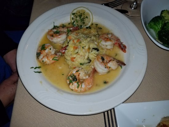 Elmont, NY: Shrimp scampi at it's finest with the garlicky risotto! YUM!