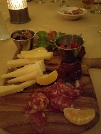 Elmont, NY: Beautifully done salumeria cheese board!