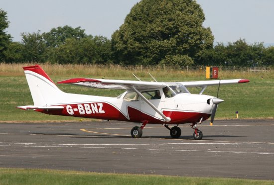 Connel, UK: Cessna 172
