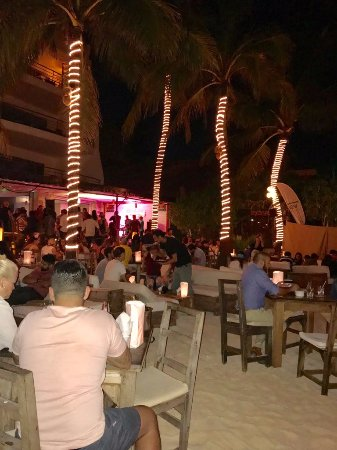 Zenzi Beach Bar & Restaurant: View from the Table