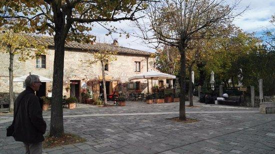 Piazzetta - Picture of Terme Bagno Vignoni, Bagno Vignoni - TripAdvisor