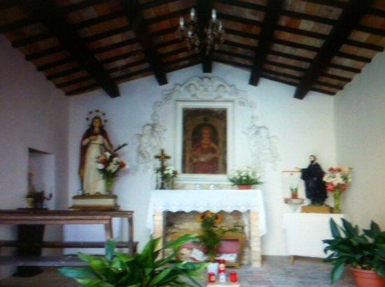 Castiglione Messer Raimondo, อิตาลี: L'interno ....