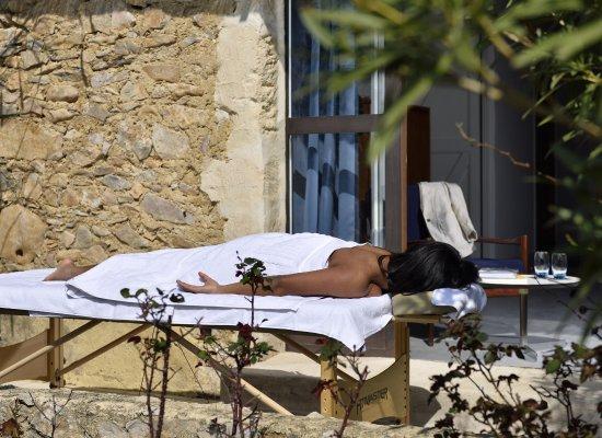 Paradou, Frankrijk: Massage au grand air sur terrasse privative