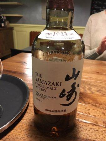 Saint-Blaise, Suíça: whisky japonais, le plus cher, mais le meilleur