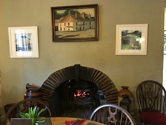 Polbathic, UK: Such a cosy place for a warming lunch on a chilly day.