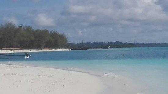 Uroa Bay Beach Resort: IMG_20171130_152740_large.jpg