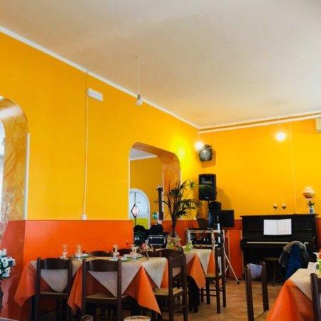 Capodimonte, إيطاليا: Pasto e interni
