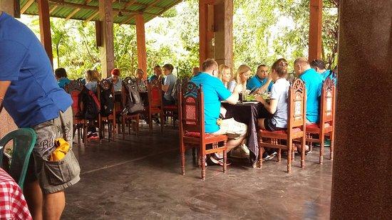 Giritale, Sri Lanka: Hotel The Village.... 2017.11.28 Lunch