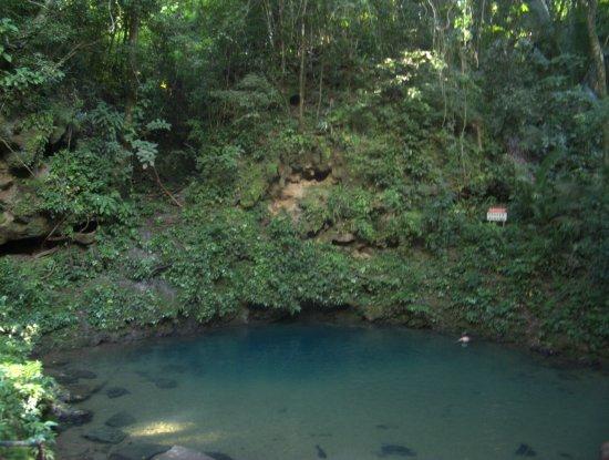 Blue Hole National Park: blue hole (inland)
