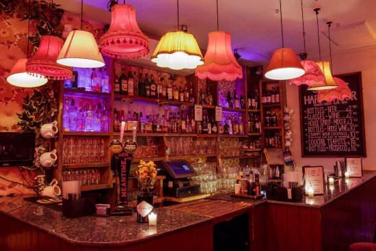 Simmons Bar | Mornington Crescent