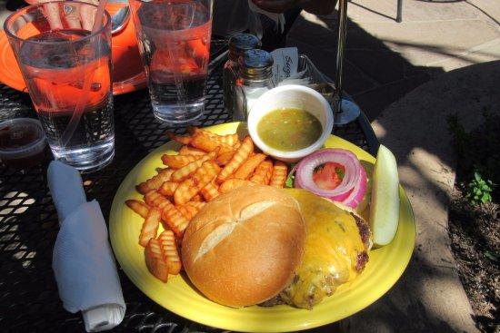 Caffe Greco: Green Chile Cheeseburger