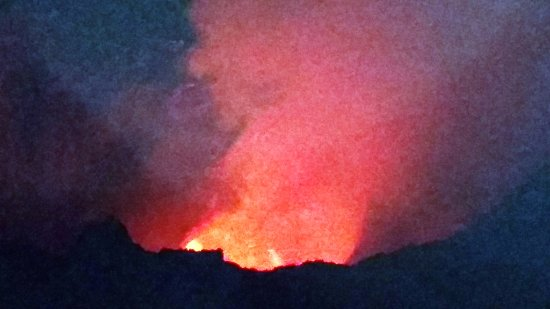 Masaya, Nicaragua: Molten lava smoke