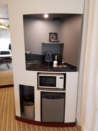 Novotel Suites Paris Montreuil Vincennes: Services