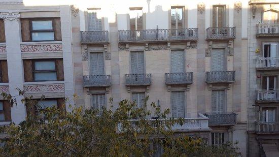 Petit Palace Museum Hotel: Vista desde la habitación