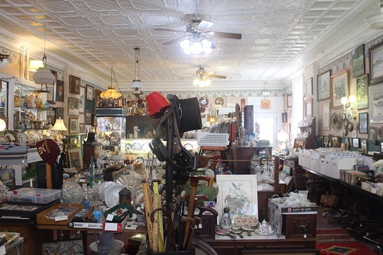 Mount Morris, นิวยอร์ก: There is something for everyone here at Allegiance Antiques!