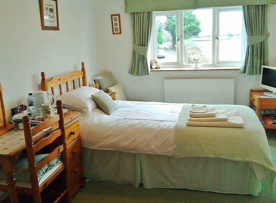 Shepton Mallet, UK: Single En-suite Room with views looking over fields
