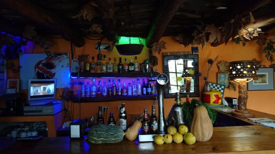 Pitres, Spain: barra