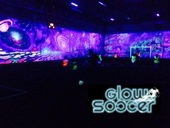 Revo Entertainment Center 사진
