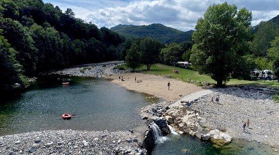 Camping Ardèche: chalets, stacaravans, Jaujac, Neyrac les
